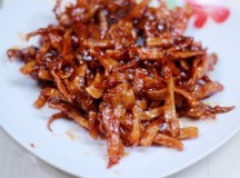Mực khô chiên tỏi ớt ngon thơm ăn hoài không chán