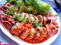 Hương vị mới lạ với mực nhồi thịt xốt cà chua