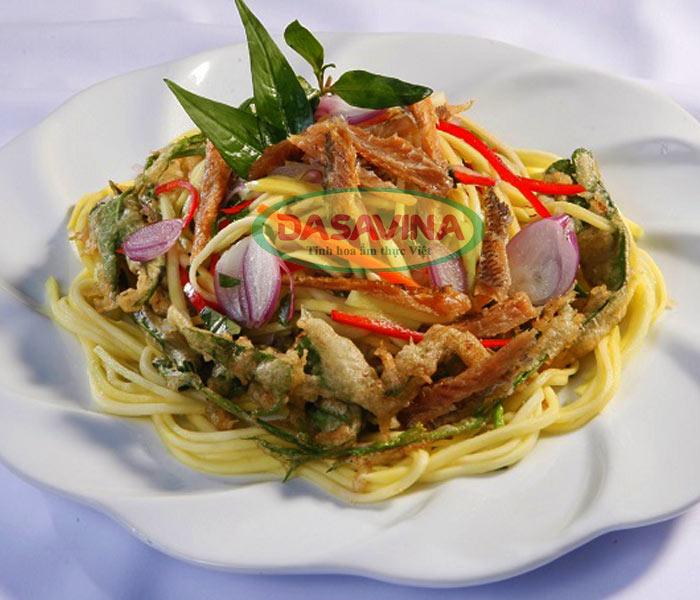 Thay đổi thực đơn hàng ngày bằng món gỏi cá chỉ vàng