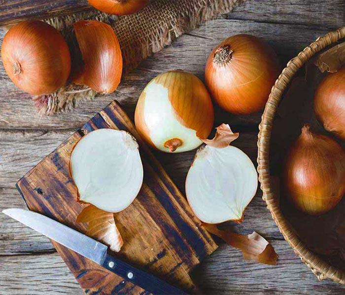 Hành tây - Nguyên liệu tạo nên hương vị hấp dẫn cho món mực khô xào
