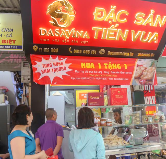 Dasavina khai trương cửa hàng