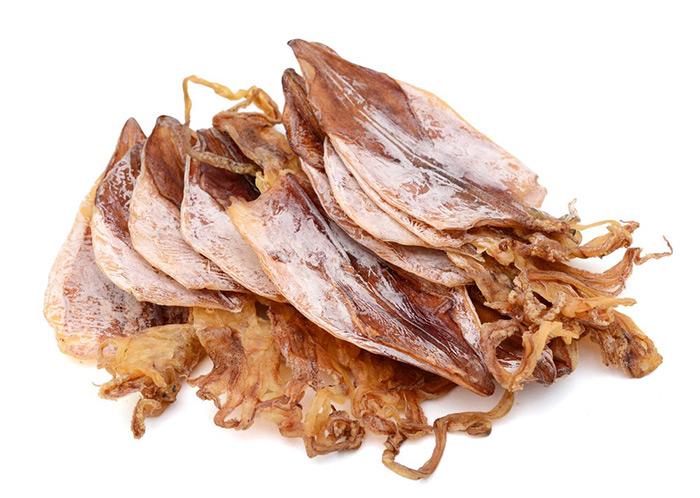 Khô mực Vân Đồn được bán tại cửa hàng hải sản, siêu thị tại Hà Nội