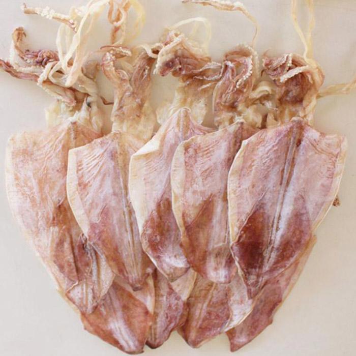 Mực khô Quảng Bình với thớ thịt dày, hương vị thơm ngon